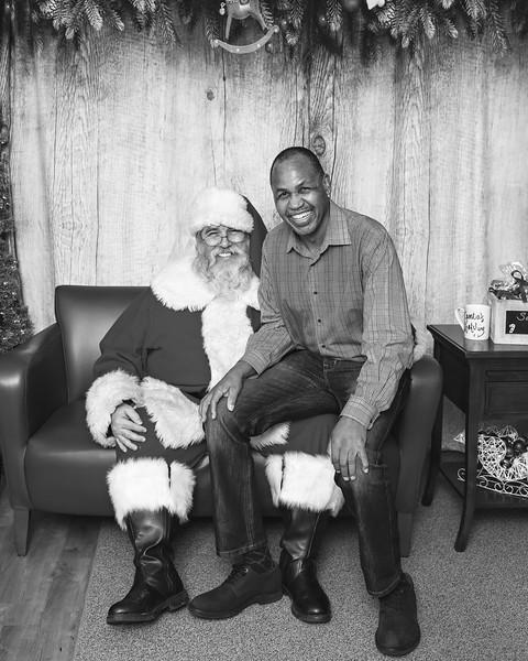 Ameriprise-Santa-Visit-181202-5029-BW.jpg