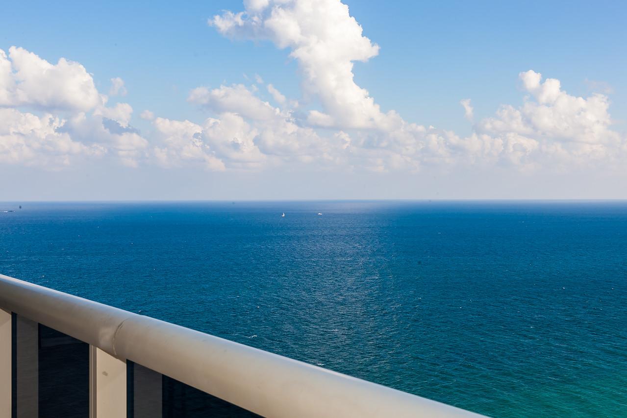 Ocean/Balcony view