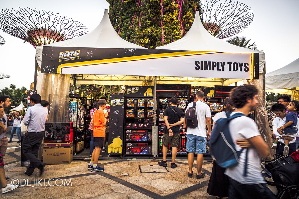 Gardens by the Bay - Star Wars Day 2017 - Simply Toys booth