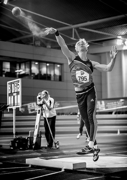 Shot put bw low 1200.jpg