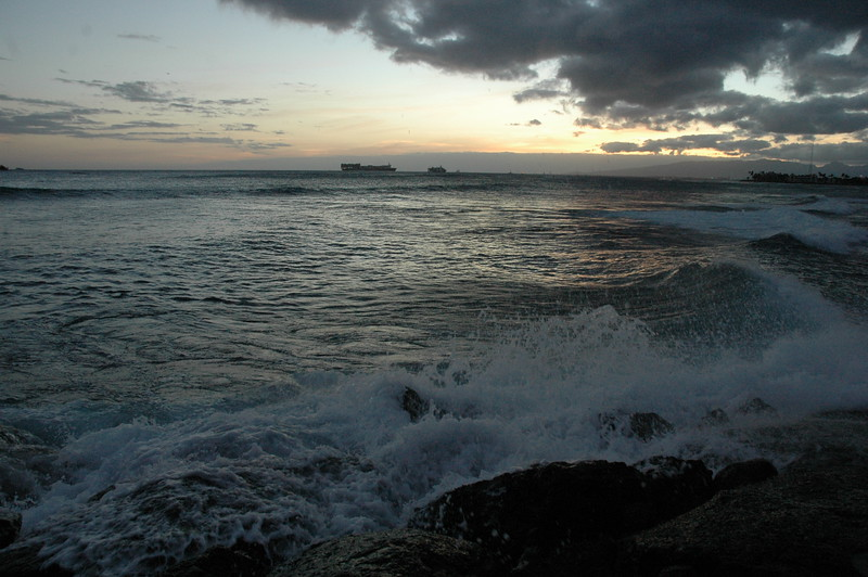 Hawaii - Ala Moana Beach Sunset-135.JPG