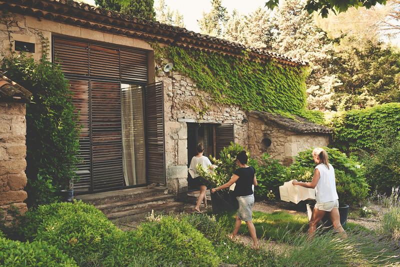 Georgia & Florent - Provence Wedding - 0007.jpg