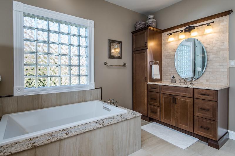 Heritage Remodeling 17777 Horn Bean Ct Bath (7 of 23).jpg