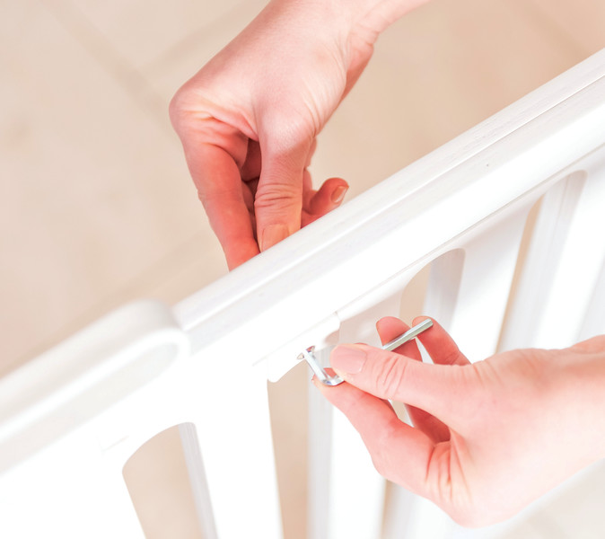 Fred_Stairgates_Screw_Fit_Wooden_Gate_Lifestyle_white_fitting.jpg