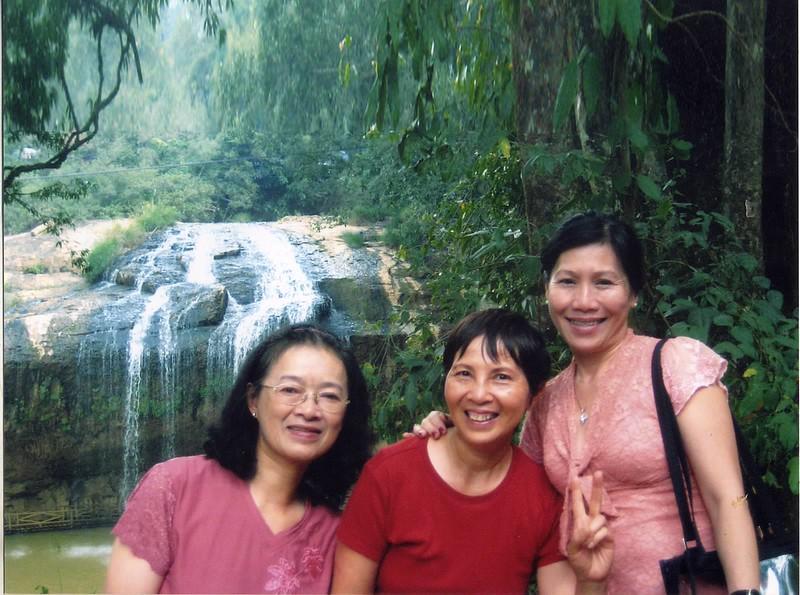 Phạm Thị Nguyên Nhung, Ngọc B, Trần Ngọc Trang (VN)
