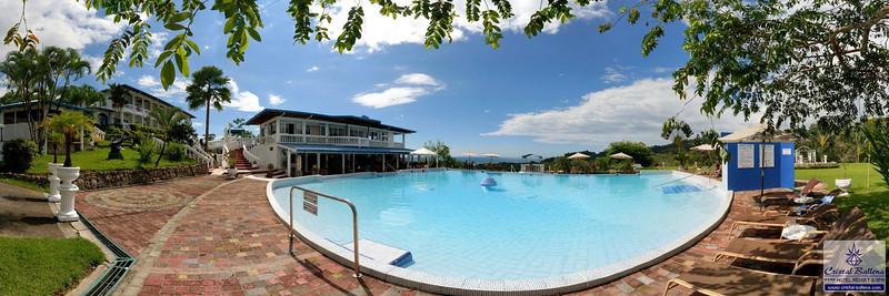 Cristal-Ballena-Pool-Area-03a-03x01-0600px-wm.jpg
