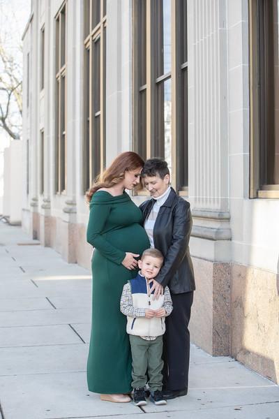 Maternity: Barrett-Kelsay Family