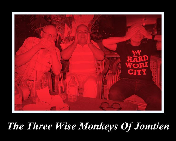 2015-01-20 Moi Paul Phil 3 wise monkeys Jomtien meme.jpg