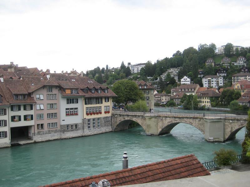 buildings_bridge.jpg