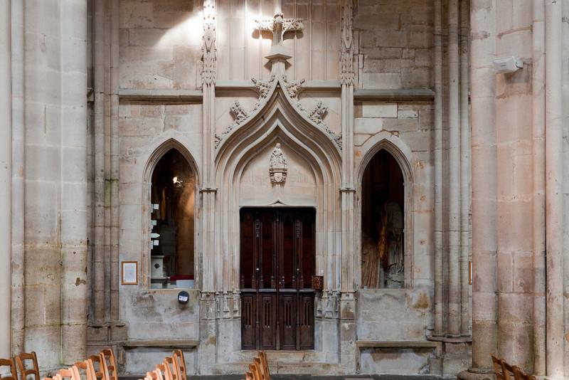 Semur-en-Auxois - Collegiale - Chapel Bay-1