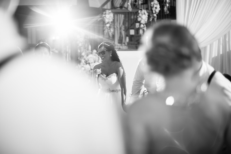 1059_Josh+Lindsey_WeddingBW.jpg