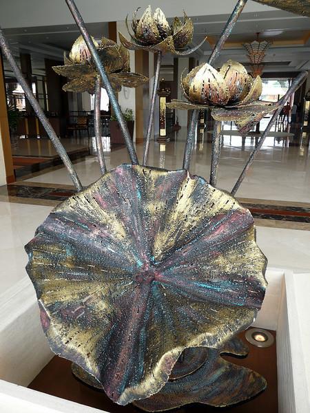 Freestanding sculpture at Shangri La Hotel, Chiang Mai.