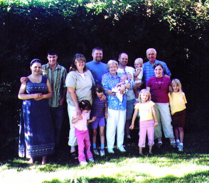 Bonnie & Wayne & All the Grandkids 7-2005 .jpg