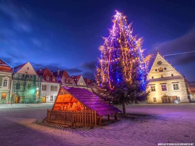 Christmas-tree-in-Bardejov-1600x1200.jpg