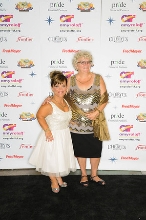 Amy Roloff Charity Foundation 2013 - Red Carpet photo op