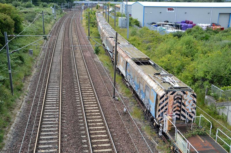 The Old Electrification train at Portobello Jct, Edinburgh consisting of 975681/682/685/686/687/688/920   17/07/15.