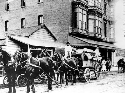 1886-1915, D.W. Davis Groceries