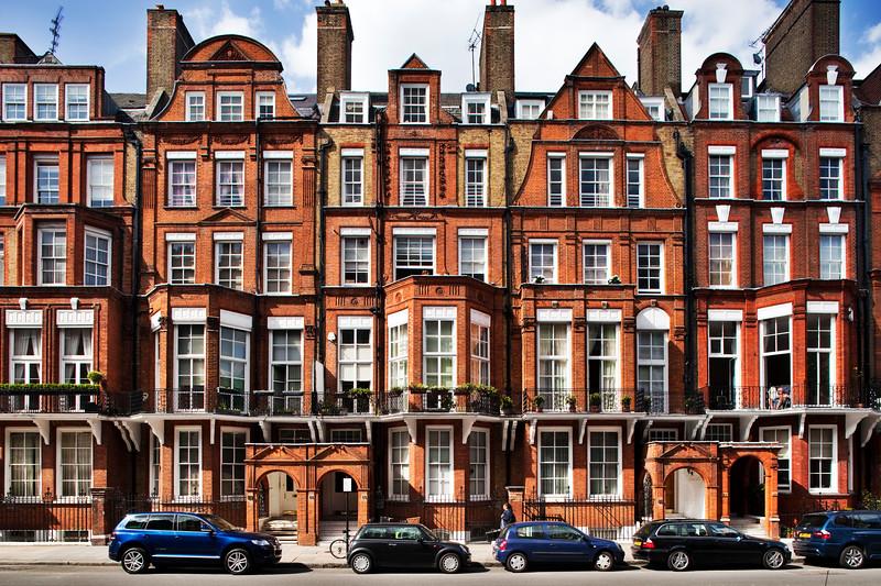 Victorian houses in red brick, Pont street, Kensington, London, England, United Kingdom