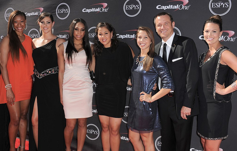 . Members of the University of Louisville women\'s basketball team and coach Jeff Walz arrive at the ESPY Awards on Wednesday, July 17, 2013, at Nokia Theater in Los Angeles. (Photo by Jordan Strauss/Invision/AP)