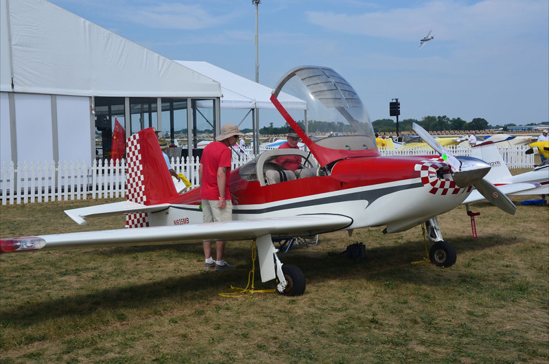 Interesting RV-7 with custom wing and gear.