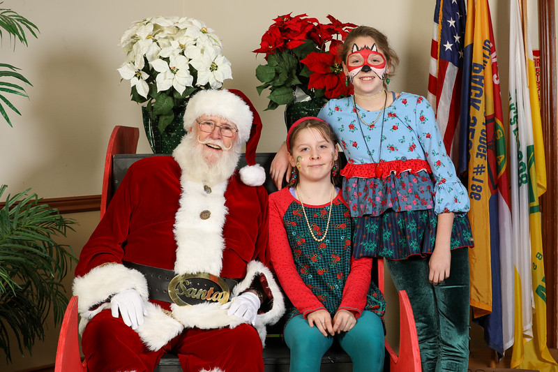 TBTP 2019 Photos with Santa-110.JPG