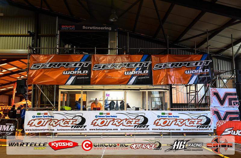 neo race track pits21.jpg
