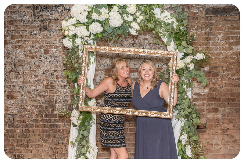 Laren&Bob-Wedding-Photobooth-155.jpg