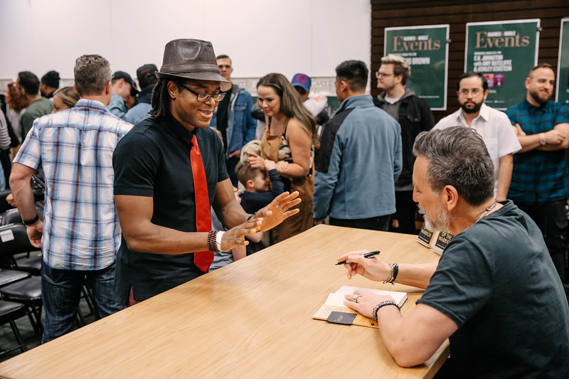 2019_2_28_TWOTW_BookSigning_SP_281.jpg