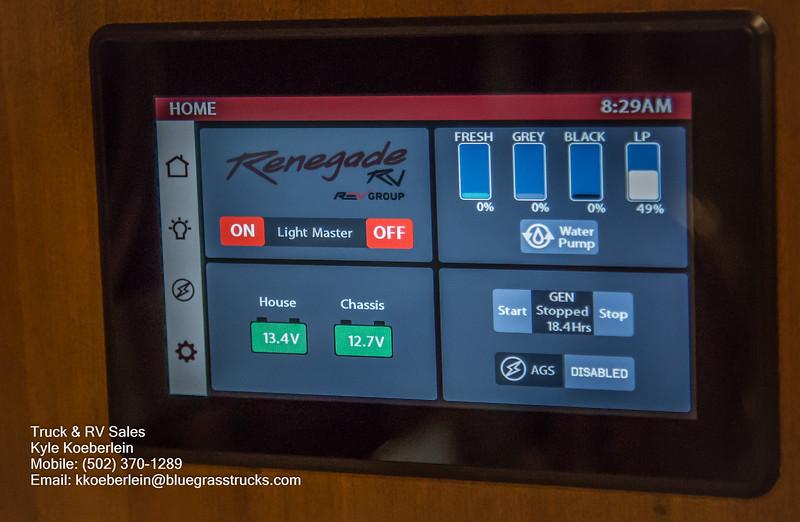 R0016 Renegade Valencia-27.jpg