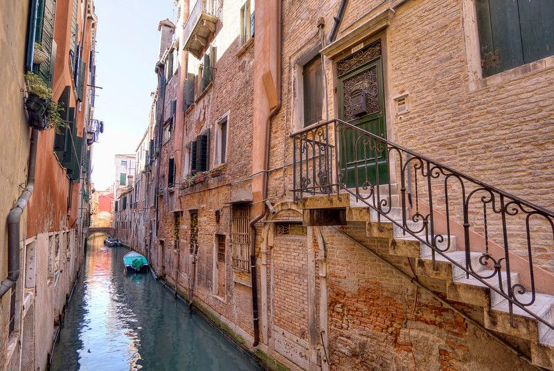 venetian-stair-case-over-canal.jpg