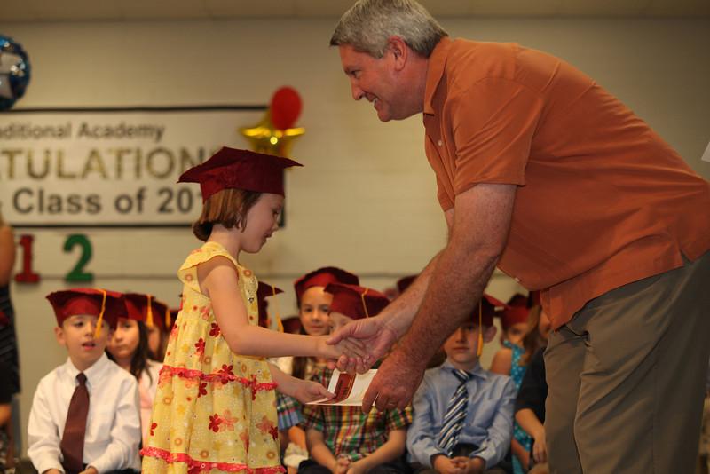 2012May18_MTA Kinder Grad_9680.JPG
