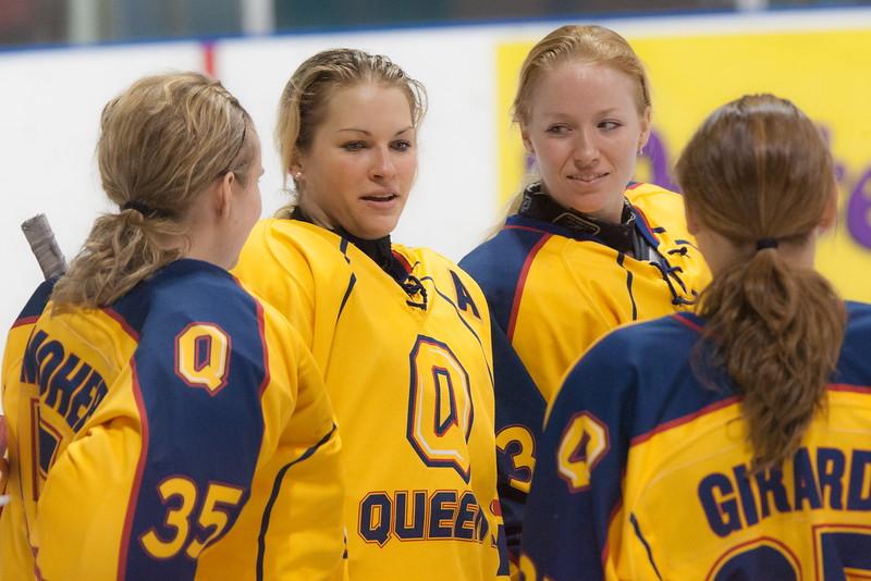 20130310 QWHockeyvsUBC 135.jpg