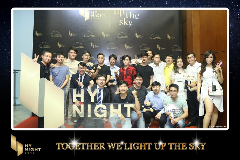Buzz-Comm-Year-End-Party-instant-print-photo-booth-at-New-World-Saigon-Chup-hinh-lay-lien-Tat-nien-WefieBox-Photobooth-Vietnam-035.jpg