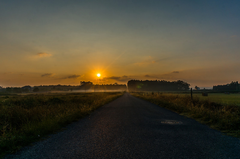 Rinlo camino del aeródromo amaneciendo