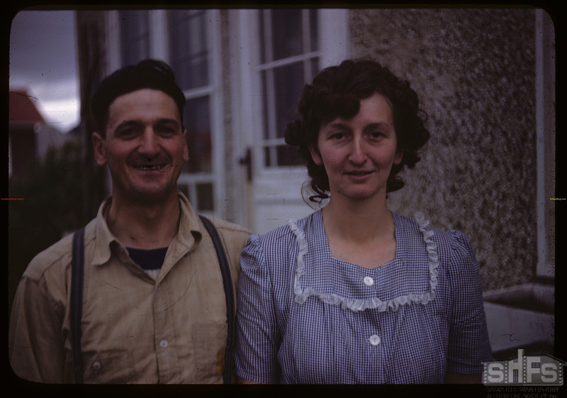 Mr & Mrs Emile Lamothe - Pool agents.  Val Marie.  06/06/1946