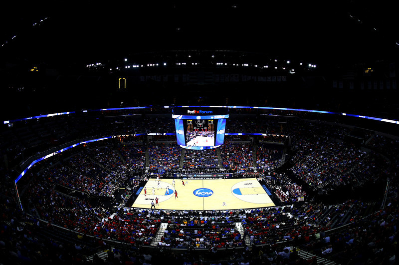 . A general view taken during the south regional final of the 2014 NCAA Men\'s Basketball Tournament between the Dayton Flyers and the Florida Gators at the FedExForum on March 29, 2014 in Memphis, Tennessee.  (Photo by Alex Trautwig/Getty Images)