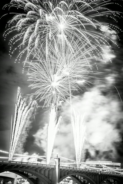 Fireworks_Tempe_2014-6.jpg