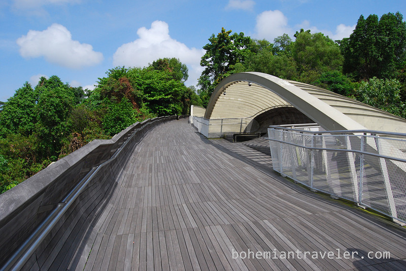 on theHenderson Waves Bridge Singapore.jpg