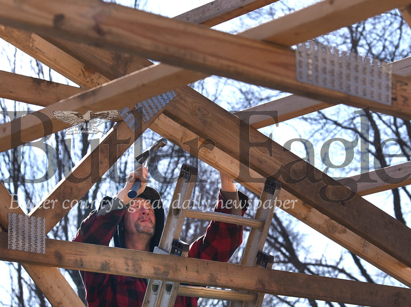 WildArt P&W Construction workers constructing a pavilion at Roatry Park in Butler