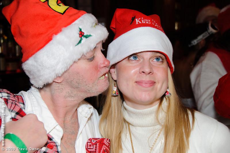 2009 ALS Santa Crawl-73.jpg