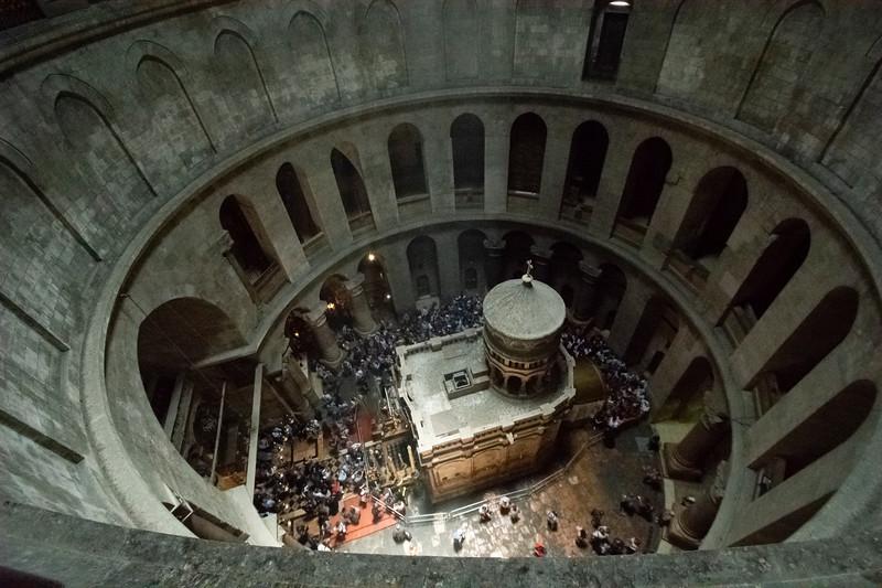 מבט על על כנסיית הקבר 2.jpg