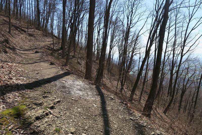 Ewing Trail - 2,700'