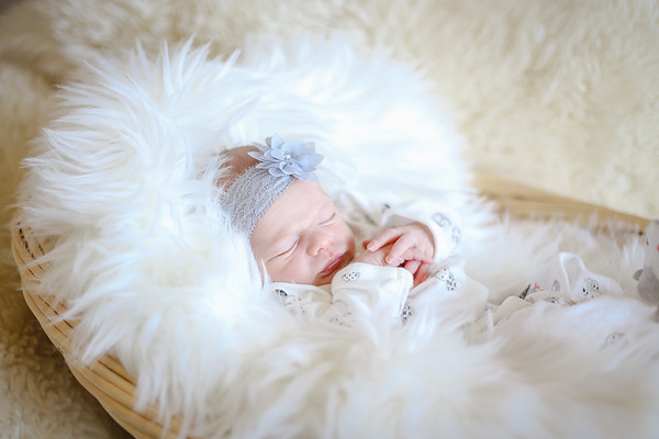 Kyleigh Newborn Tiny Footsteps Package 2018