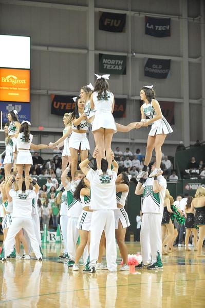 cheerleaders9151.jpg