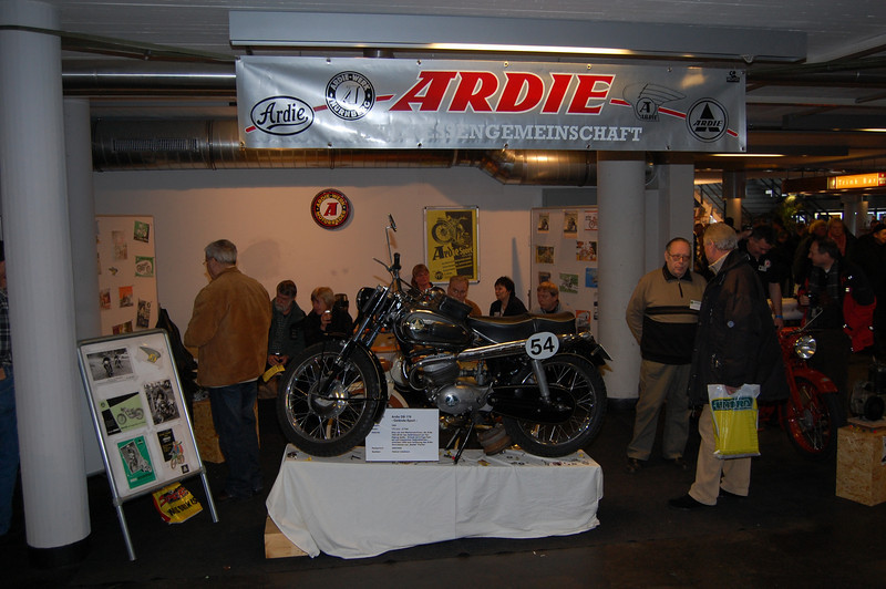 Ardie club booth
