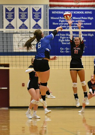 Iowa-Grant @ Mmineral Point Volleyball 9-26-19