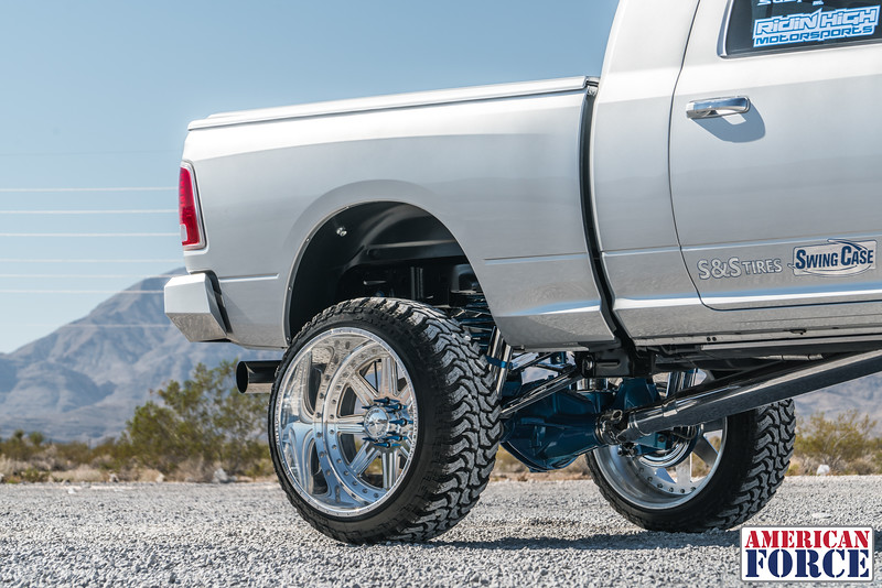 Ridin'-High-Silver-Dodge-Ram-161105-DSC02764-21.jpg