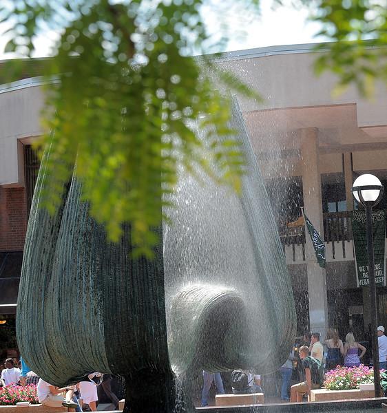 memorial fountain2266.jpg