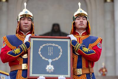 Монгол Улсын Ерөнхийлөгч Х.Баттулга энхийг сахиулагчдад одон, медаль гардууллаа