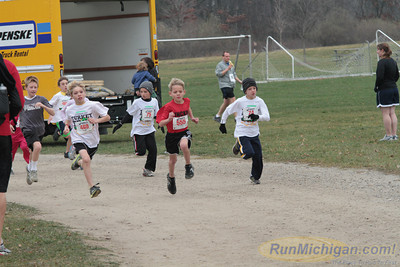 Kids 1 Mile Start - 2012 Ann Arbor Turkey Trot